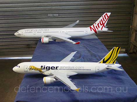 1:50 scale A330 and A320 models